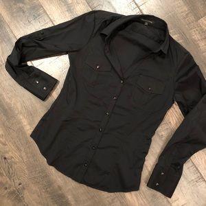 Express, size M, long sleeve black